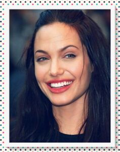 Angelina Jolie sonrisa